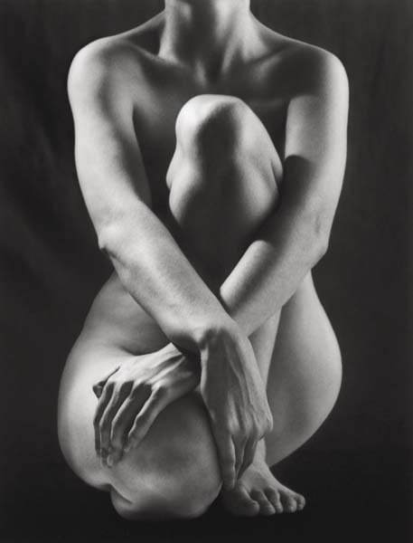 2 Ruth Bernhard Classic torso with hands 1952