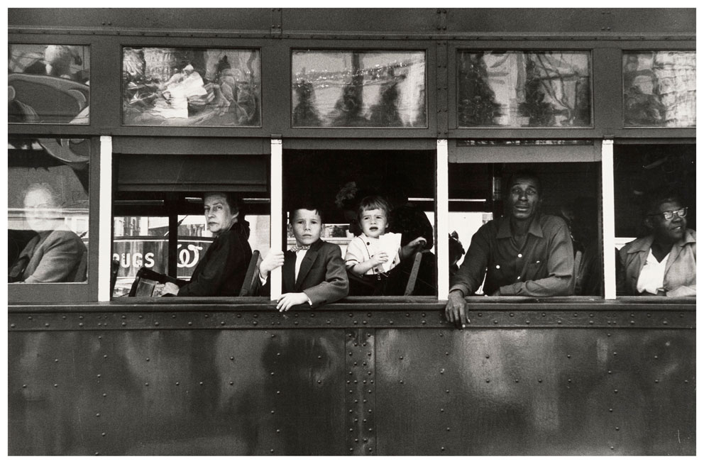 18_robert-frank_trolley-new-orleans_1955