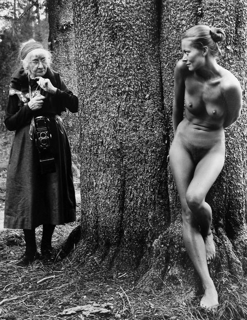 Imogen-Cunningham-and-young-woman